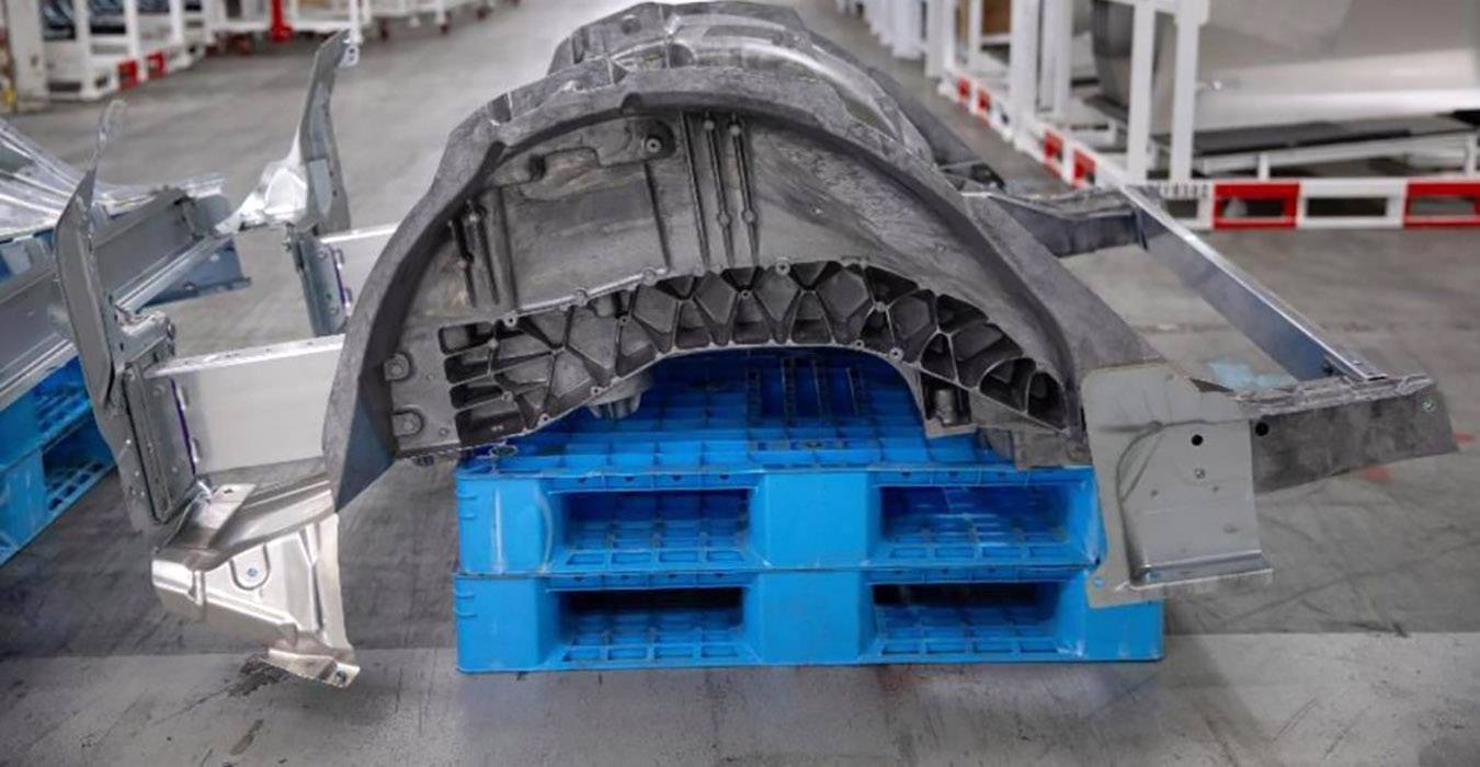 "Tesla presents new rear structure for Model Y - Musk says, ""Revolution"" in  production"